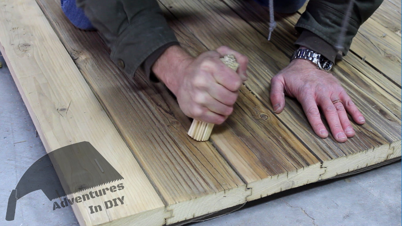 Compressing Fibers Of Table Top With Bamboo